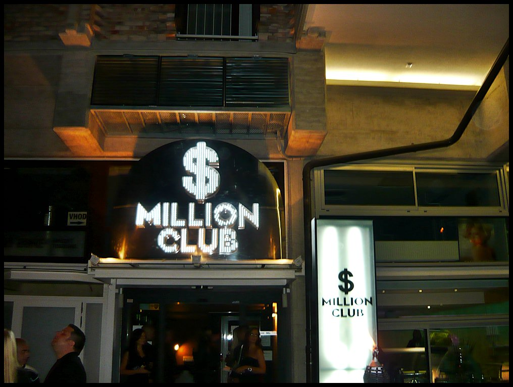 million club caffe